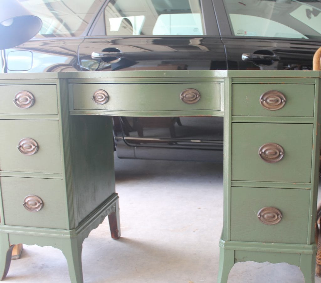 desk to be painted with Annie Sloan Chalk paint