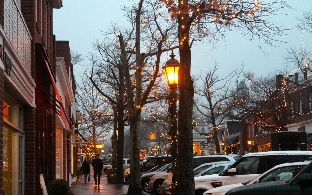 Christmas in New Canaan, Elm Street
