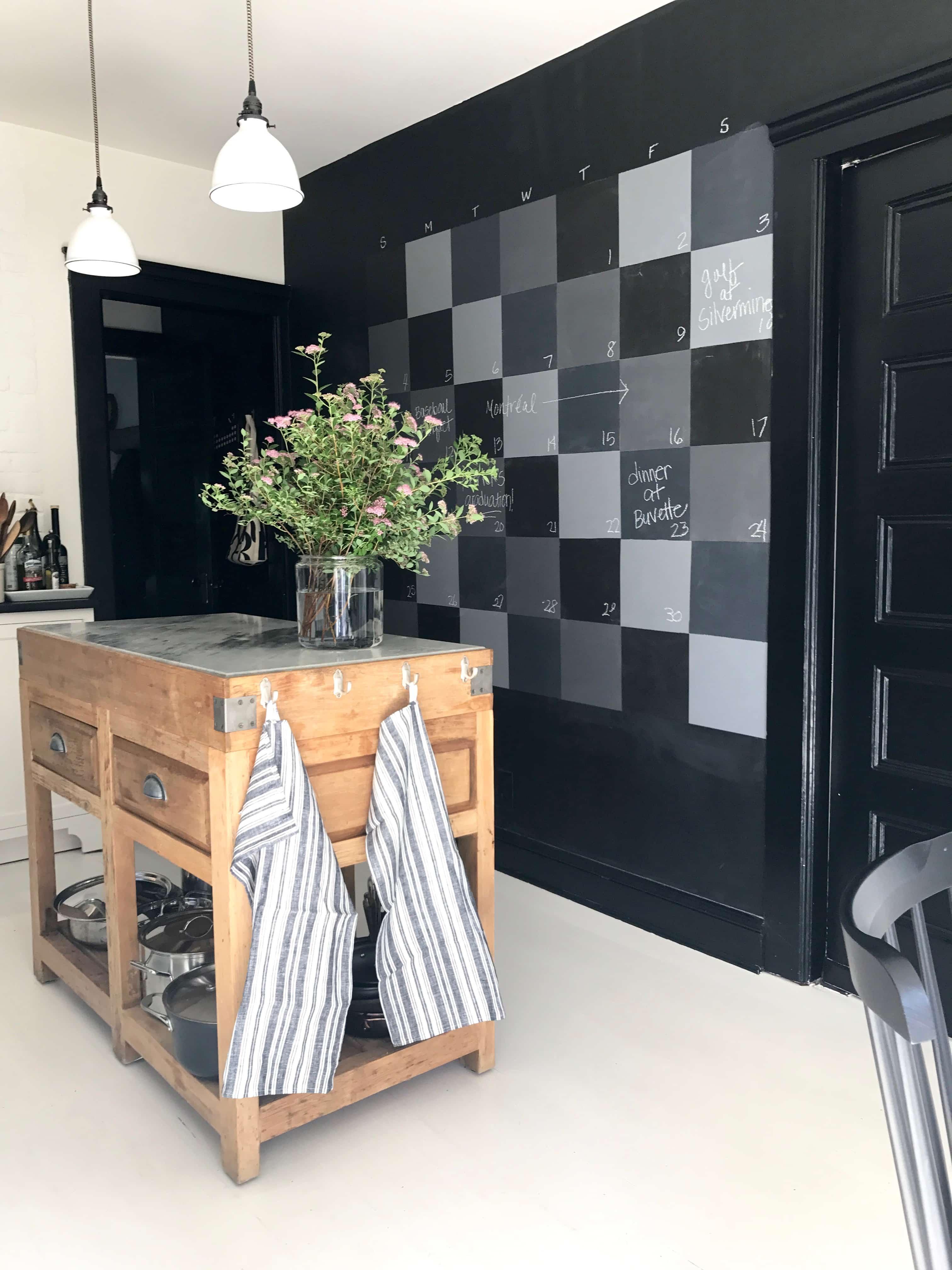 DIY Checkerboard Chalkboard Wall
