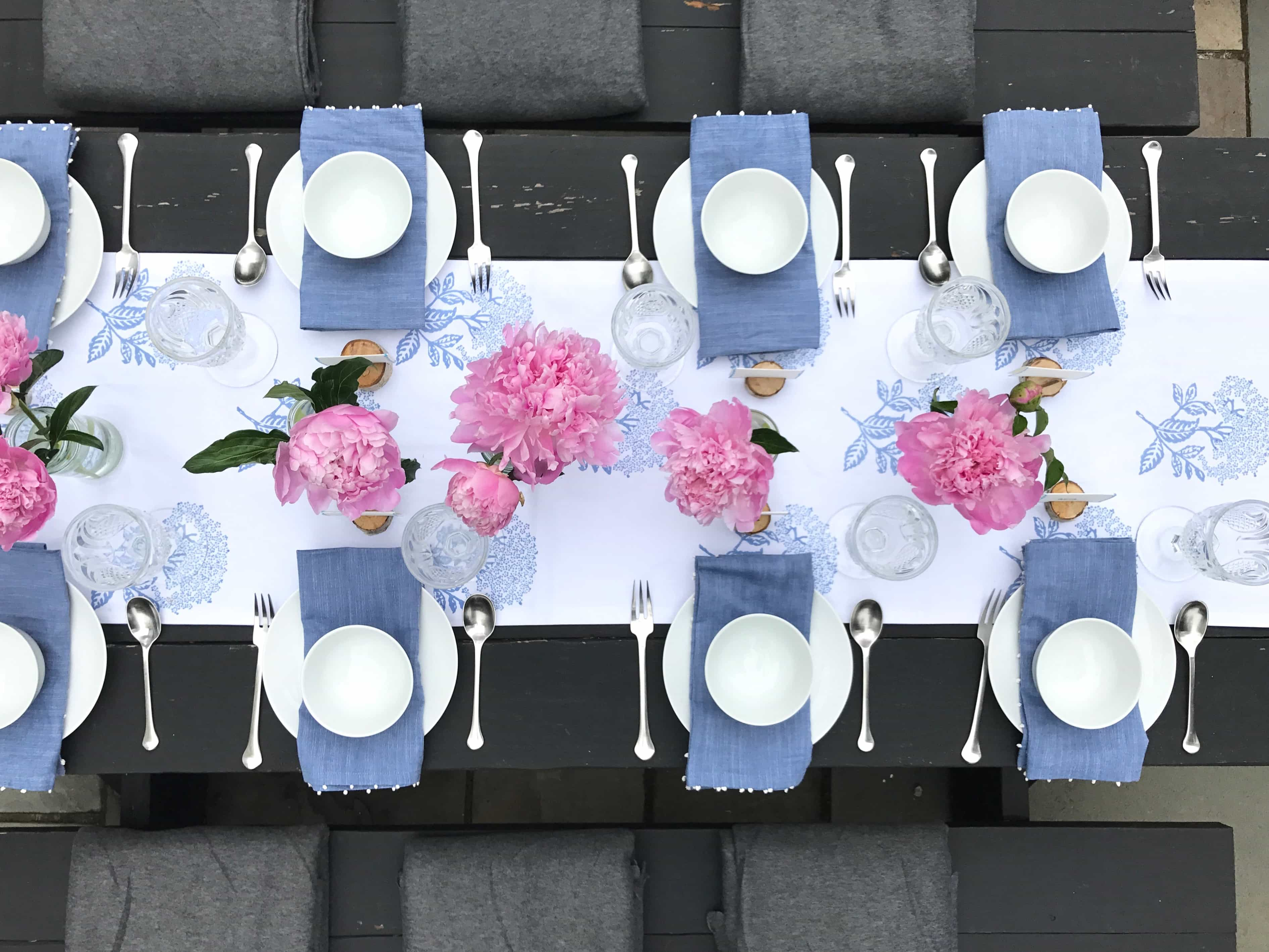 Outdoor Tablescape Ideas with Garden Flowers