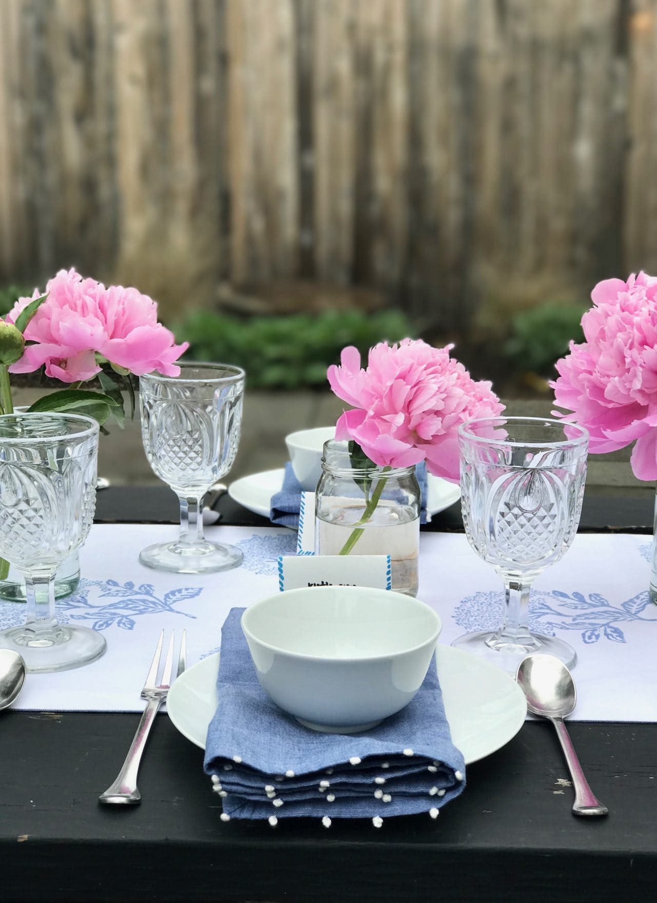 Outdoor Entertaining + Garden Flowers