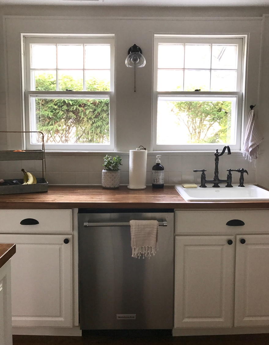 Modern Beach Cottage Kitchen
