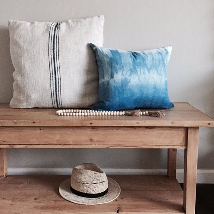 DIY-Shibori-Designs-Canvas-Throw-Pillow-bench-Indigo