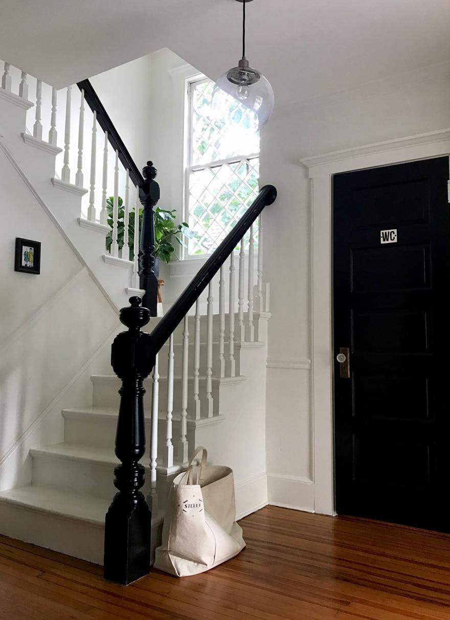 Modern-Farmhouse-Entryway-Black-and-White-Cottage