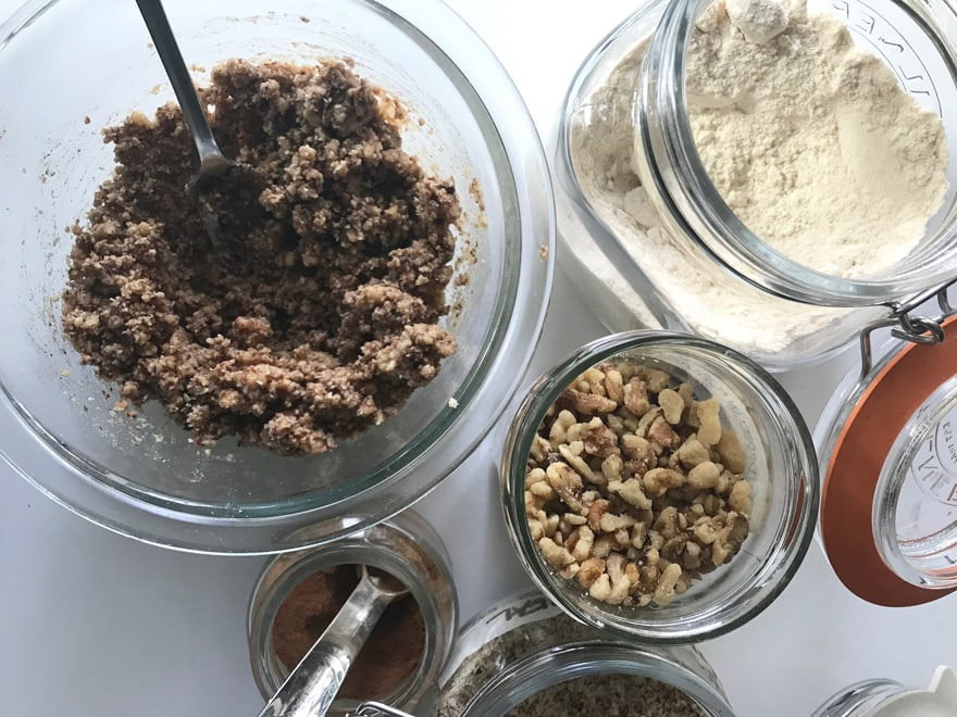 Paleo-ingredients-apple-crisp-almond-flour-coconut-flour