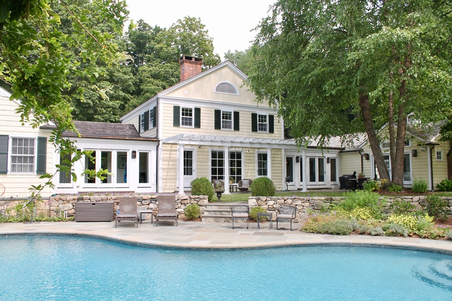 Connecticut-Modern-Country-Estate-Pool-Back-of-house