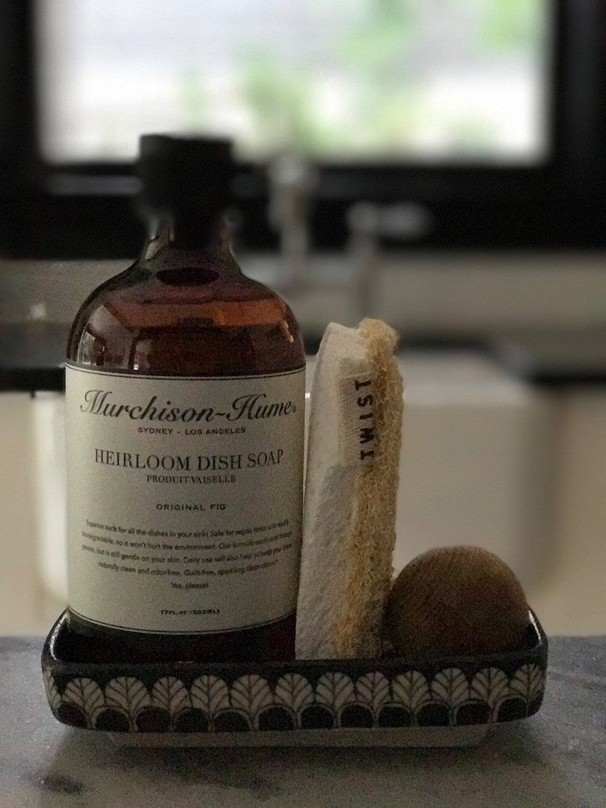 Murchison-Hume-Fig-Dish-Soap-tray-black-and-white