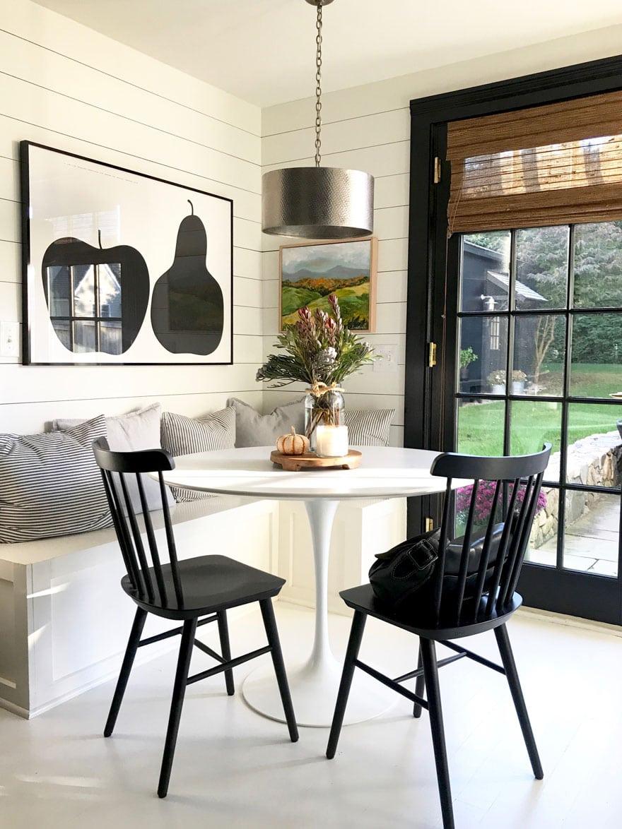 kitchen nook with Saarinen table
