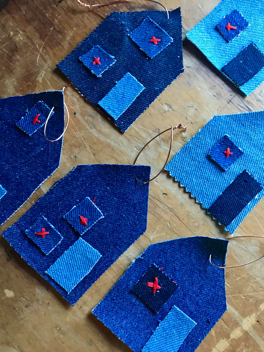 Simple no-dew house shaped gift tags made from recycled denim.