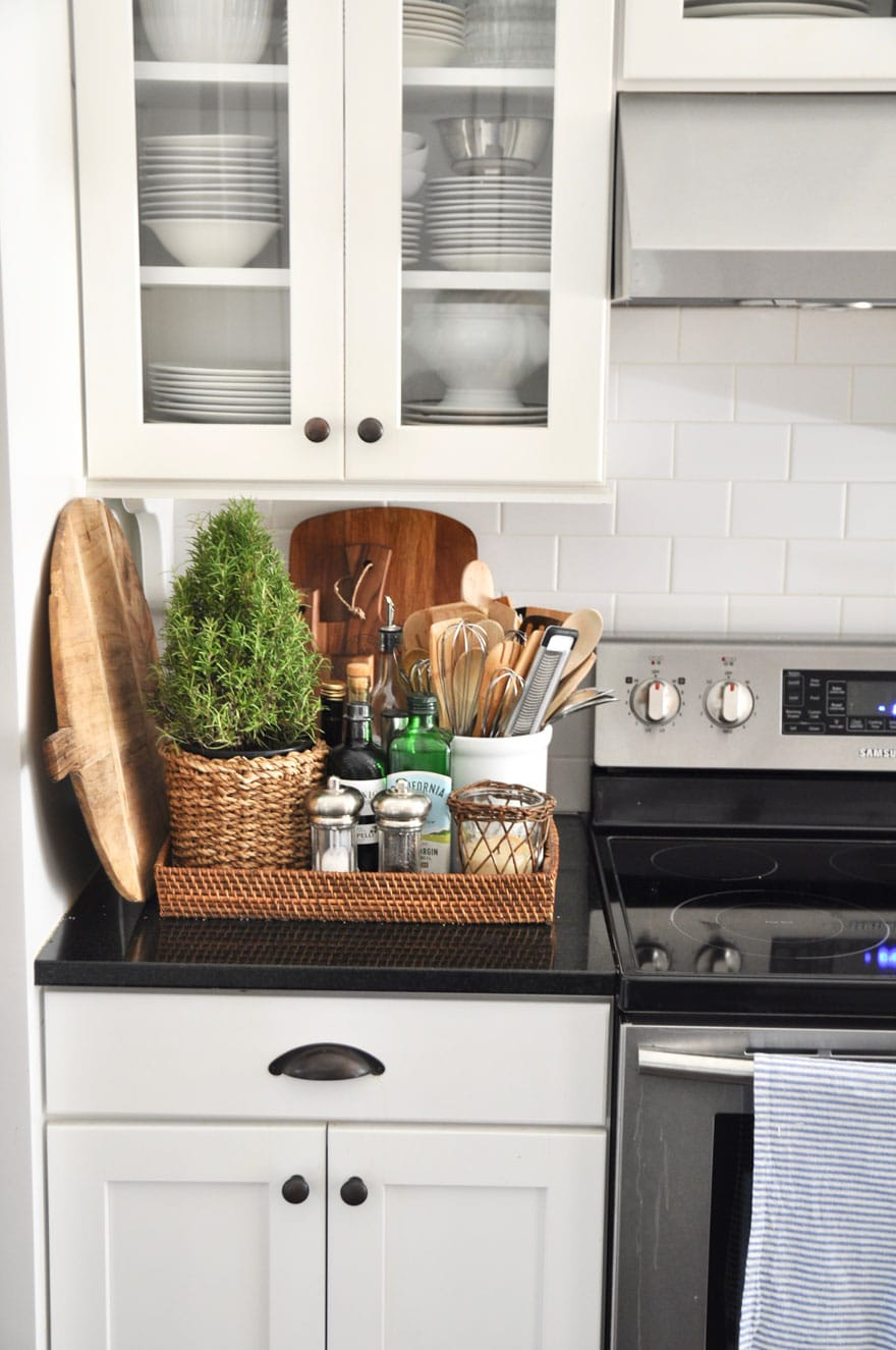 I love a basket with kitchen essentials next to the stove