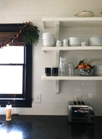 12 days of holiday homes recap + DIY organic garland for the kitchen
