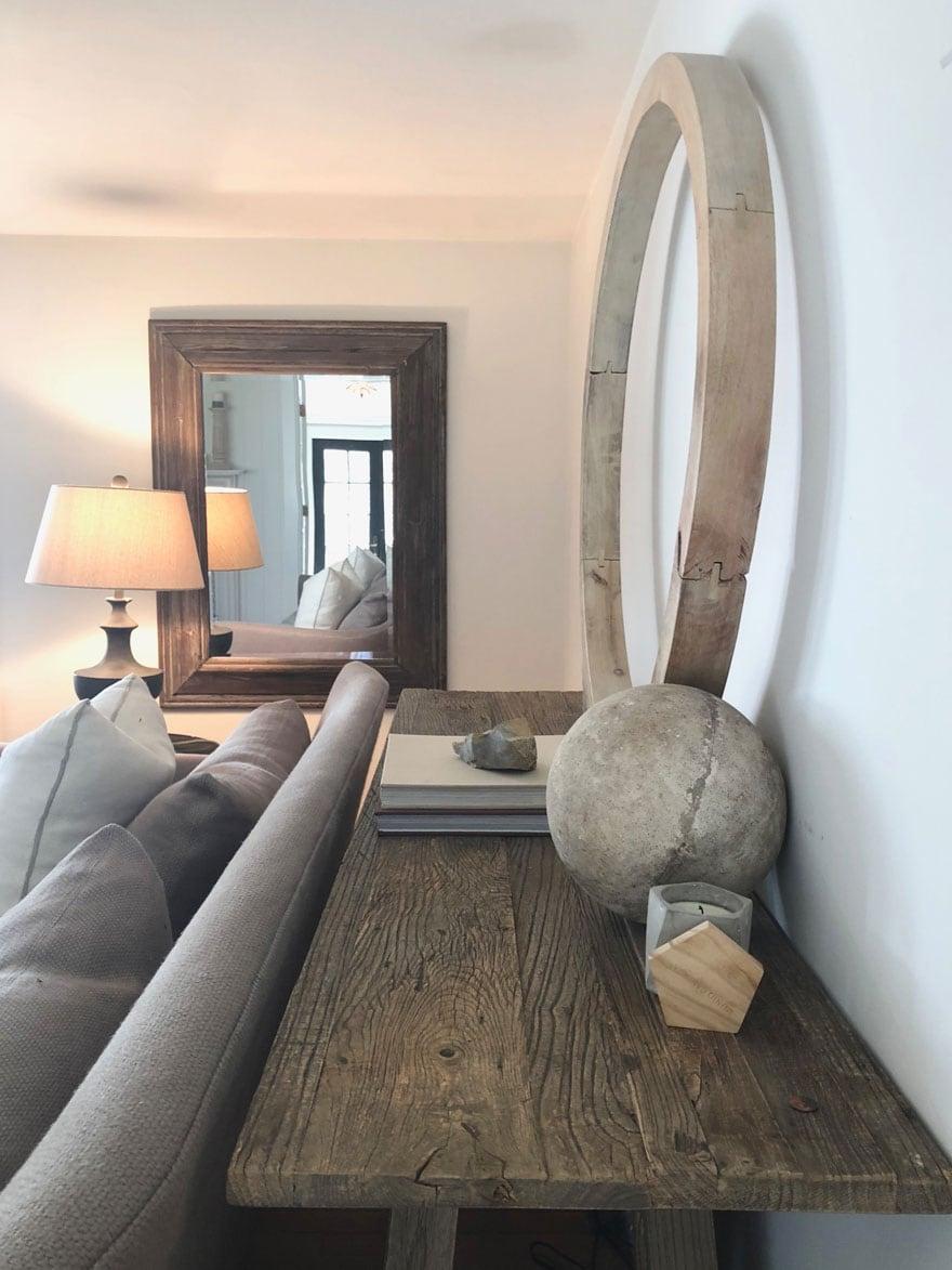 living room furniture art