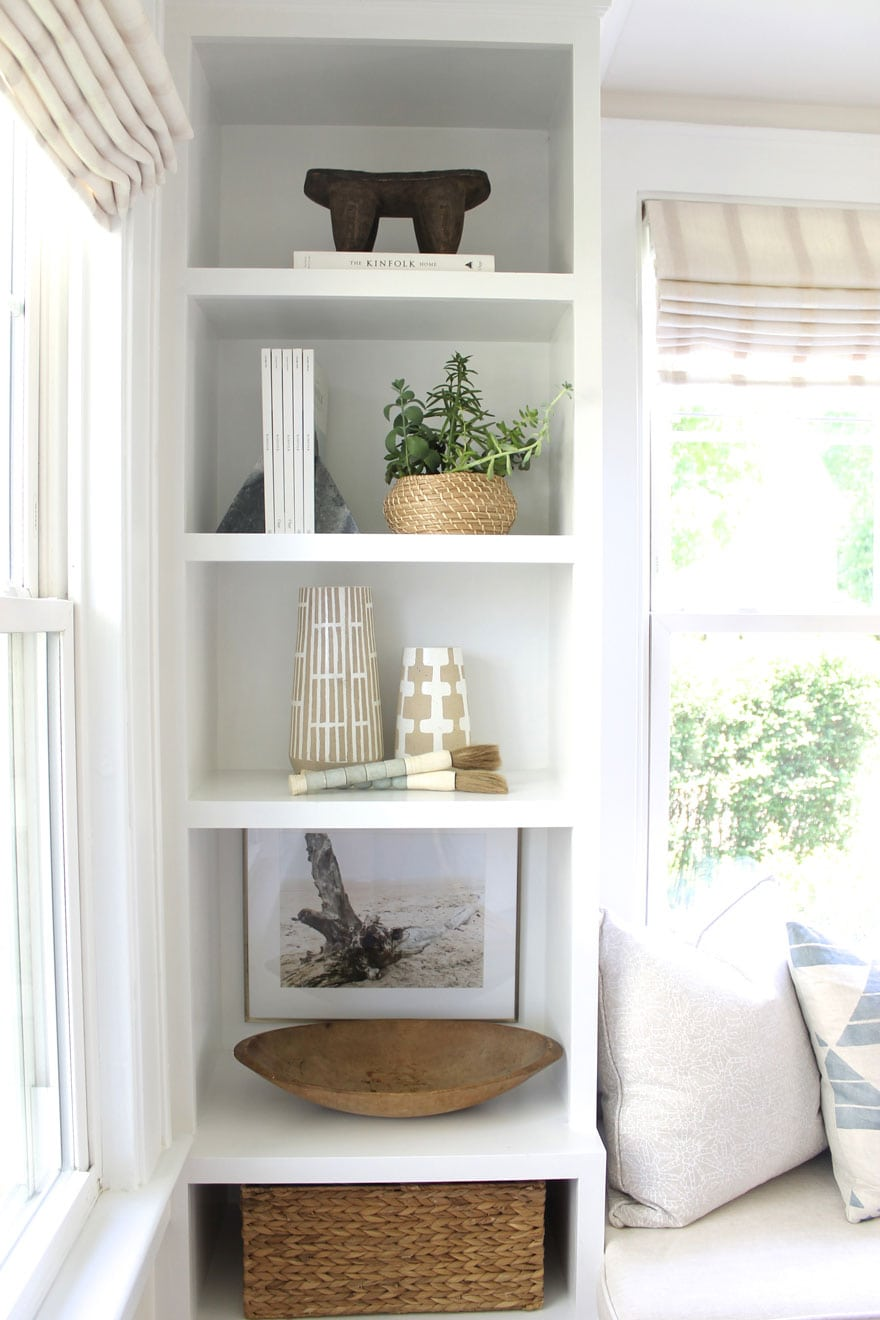 objects in book shelves