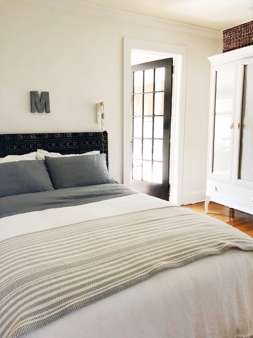 bed, armoire