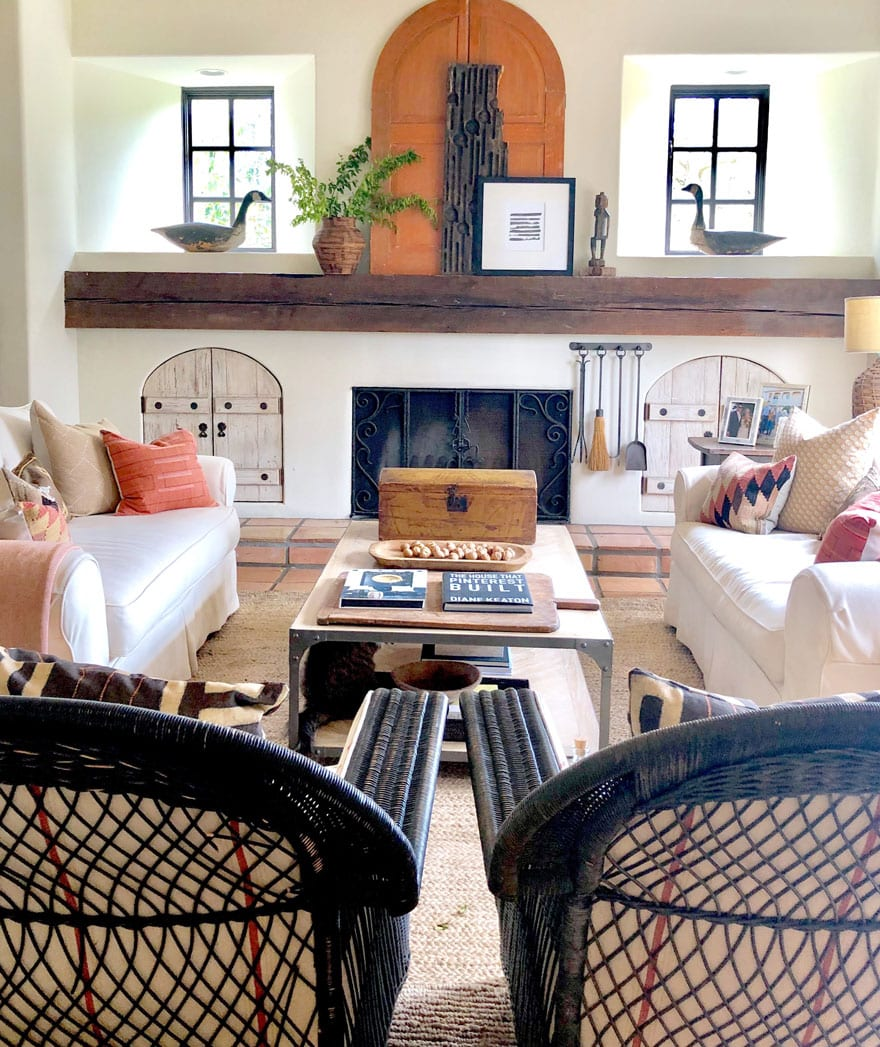 chairs, pillows, sofas, mantel, fireplace, coffee table