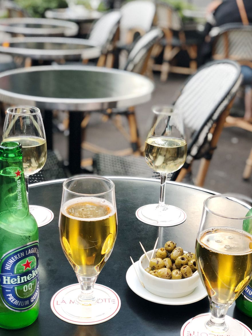 beer, glasses, round tables, olives