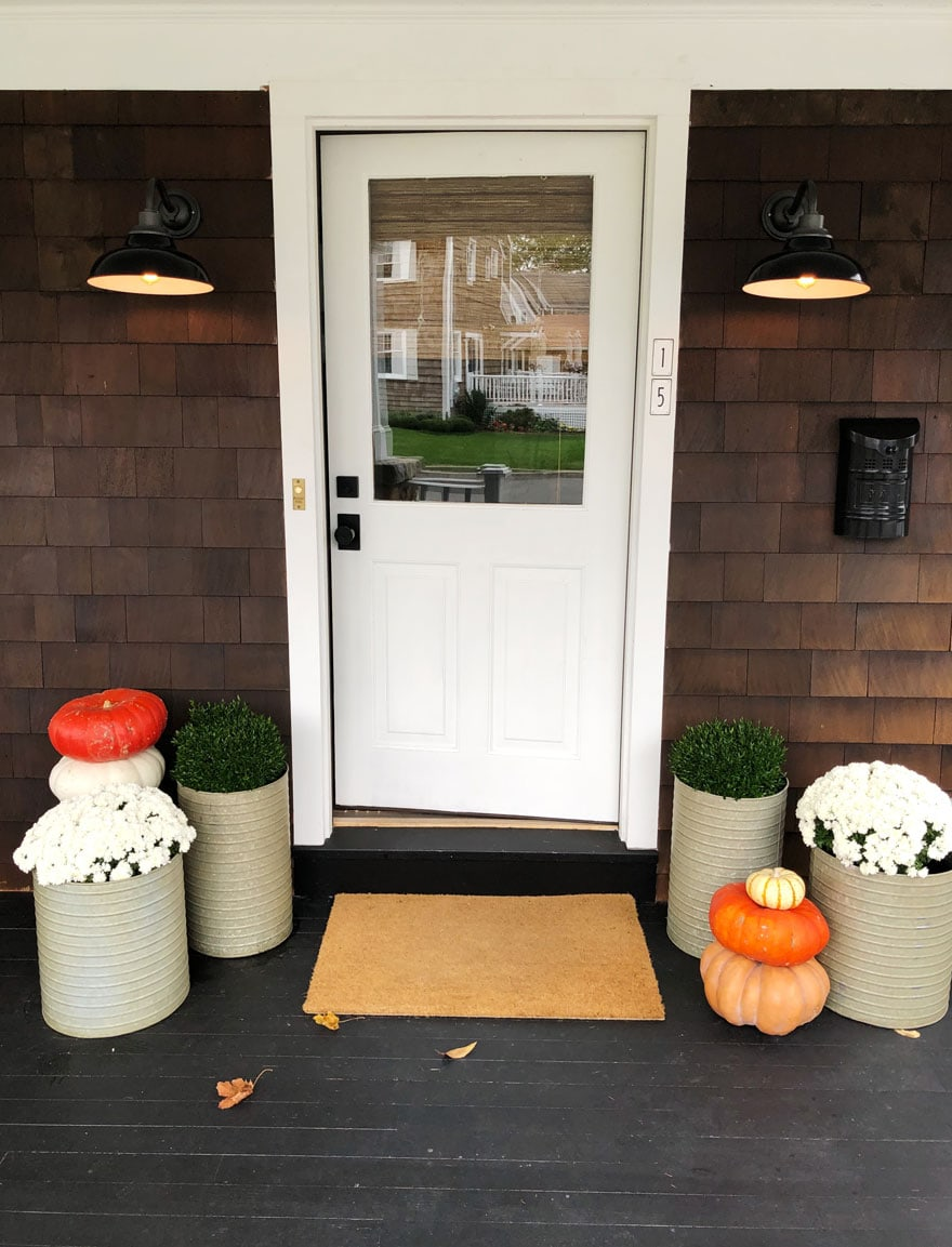 door with pumpkins