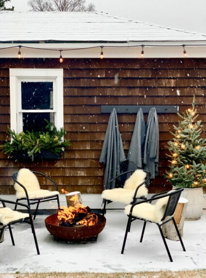 Holiday Home Tour – Modern Rustic Outdoor Spaces