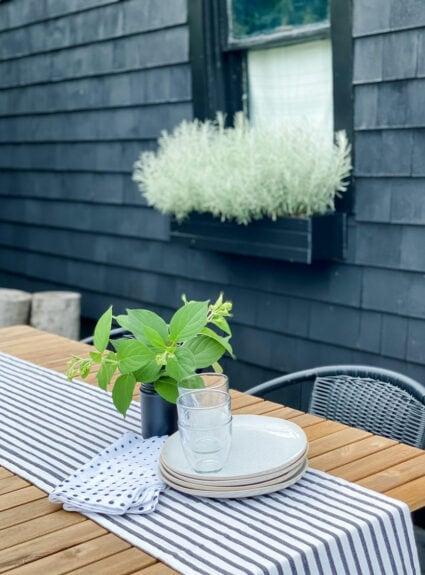 An easy summer dinner on the patio