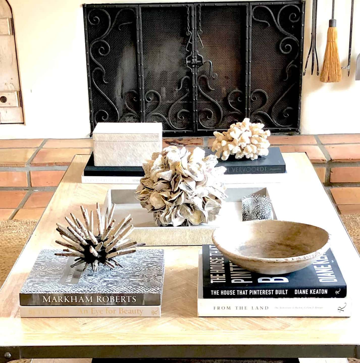Lifestyle Blogger Annie Diamond shares the coffee table of Cindy Hattersley