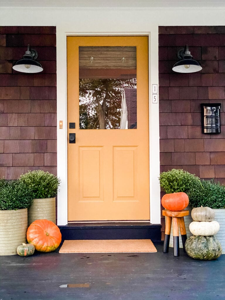 Lifestyle Blogger Annie Diamond shares her newly painted door just for fall!