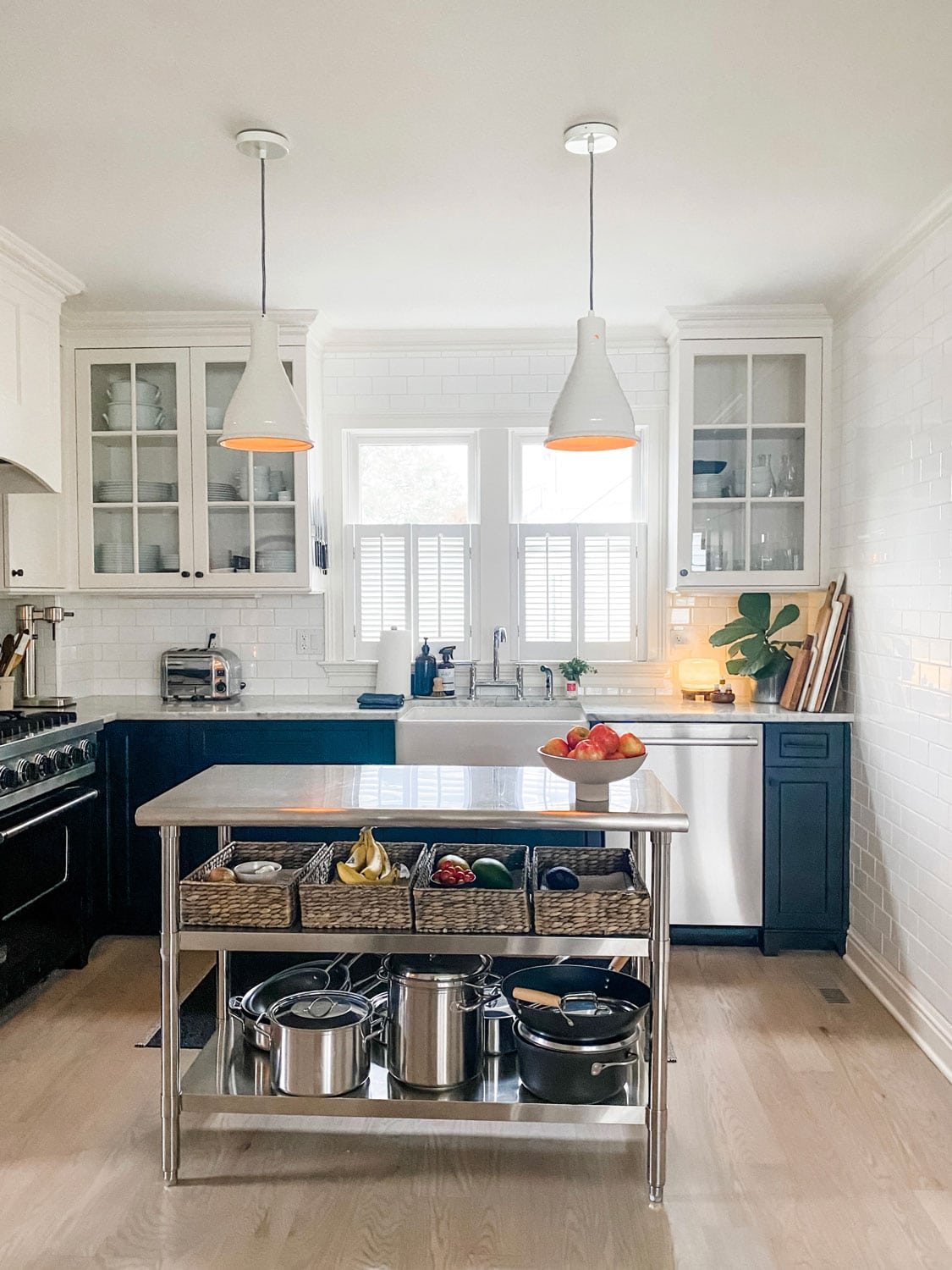 Lifestyle Blogger Annie Diamond shares her kitchen remodel with her stainless kitchen island from Amazon