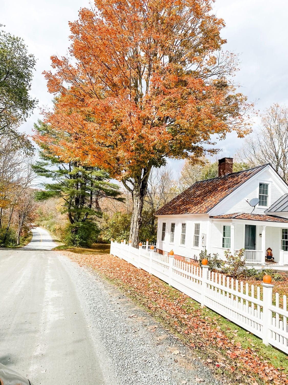Lifestyle blogger Annie Diamond takes you on a tour through Woodstock, Vermont in the fall.
