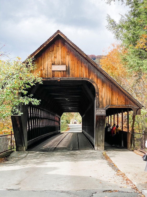 Lifestyle blogger Annie Diamond takes you on a tour through Woodstock, Vermont in the fall