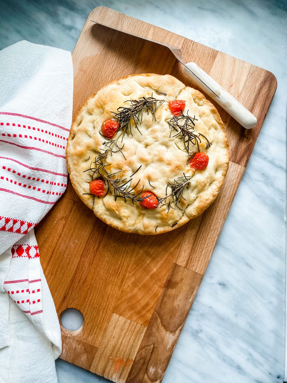 Lifestyle Blogger Annie Diamond shares her fast and easy focaccia bread that she decorates for the season!