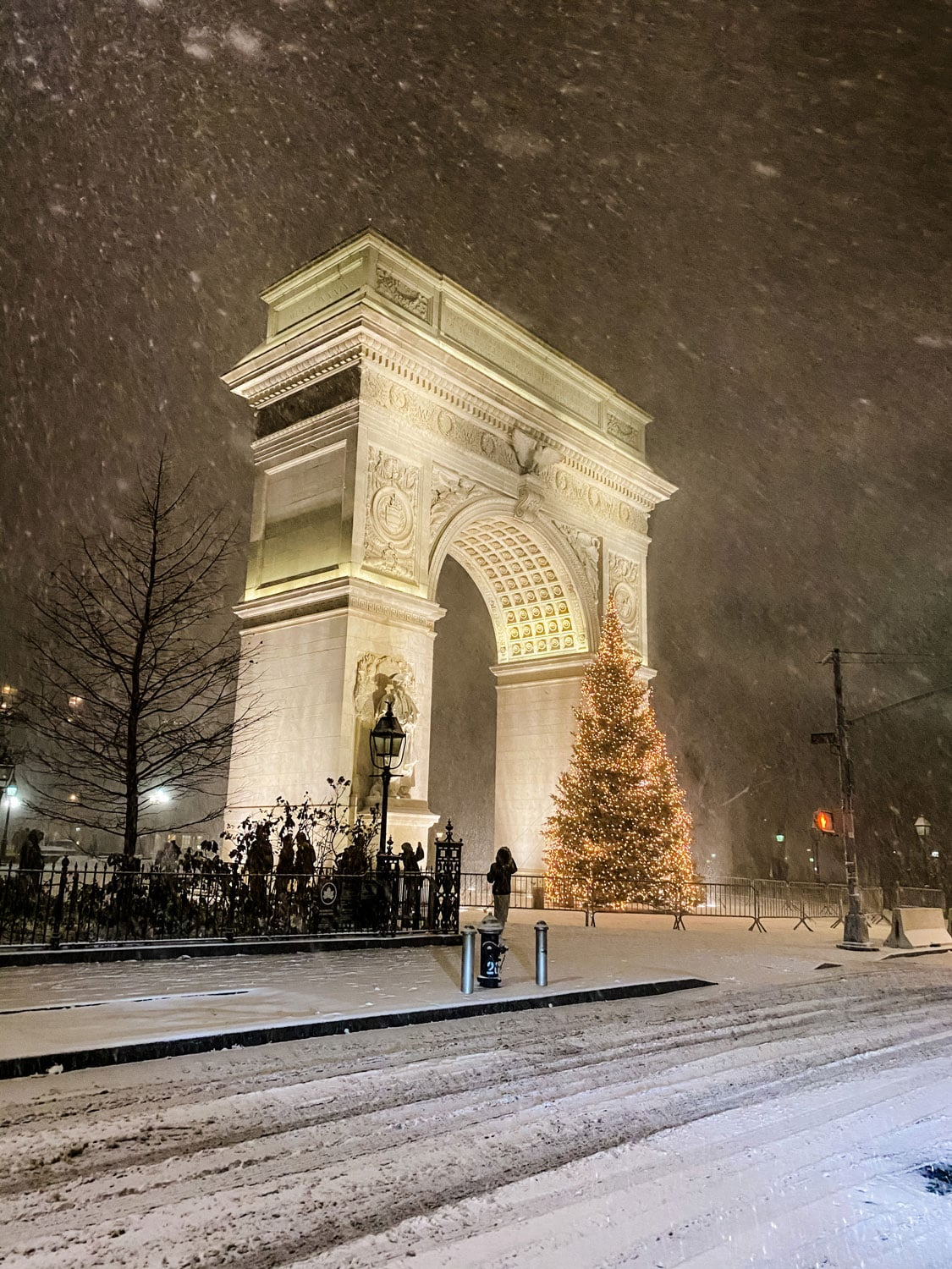 Lifestyle Blogger Annie Diamond was in the city for the first big snow storm in NYC in 5 years