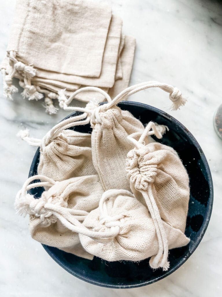 DIY Moth Repellent Sachets - You can easily make your won and tuck them in to drawers with your sweaters, scarves, socks anything you are concerned about getting eaten by moths!